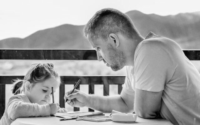 Eduzměna připravila pro rodiče tipy jak se vyrovnat se vzděláváním na dálku