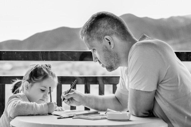 Read more about the article Eduzměna připravila pro rodiče tipy jak se vyrovnat se vzděláváním na dálku